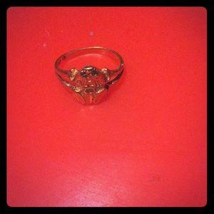 Jewelry - 18 karat gold frog ring size 5